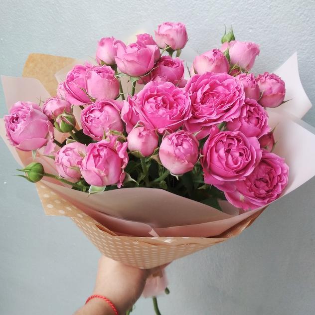 подарить цветы девушке на ее работе