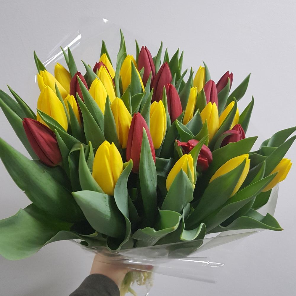 Цена букета тюльпанов 250 рублей какую функцию денег иллюстрирует, цветов туве букет