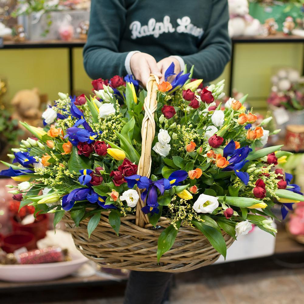 Услуги по доставка цветы на дом спб, букет лилии
