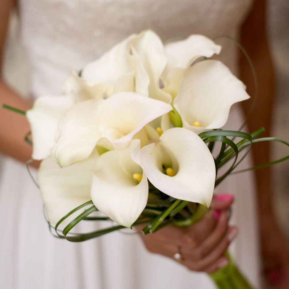 Свадебные букеты из калл для невесты 2017, цветов