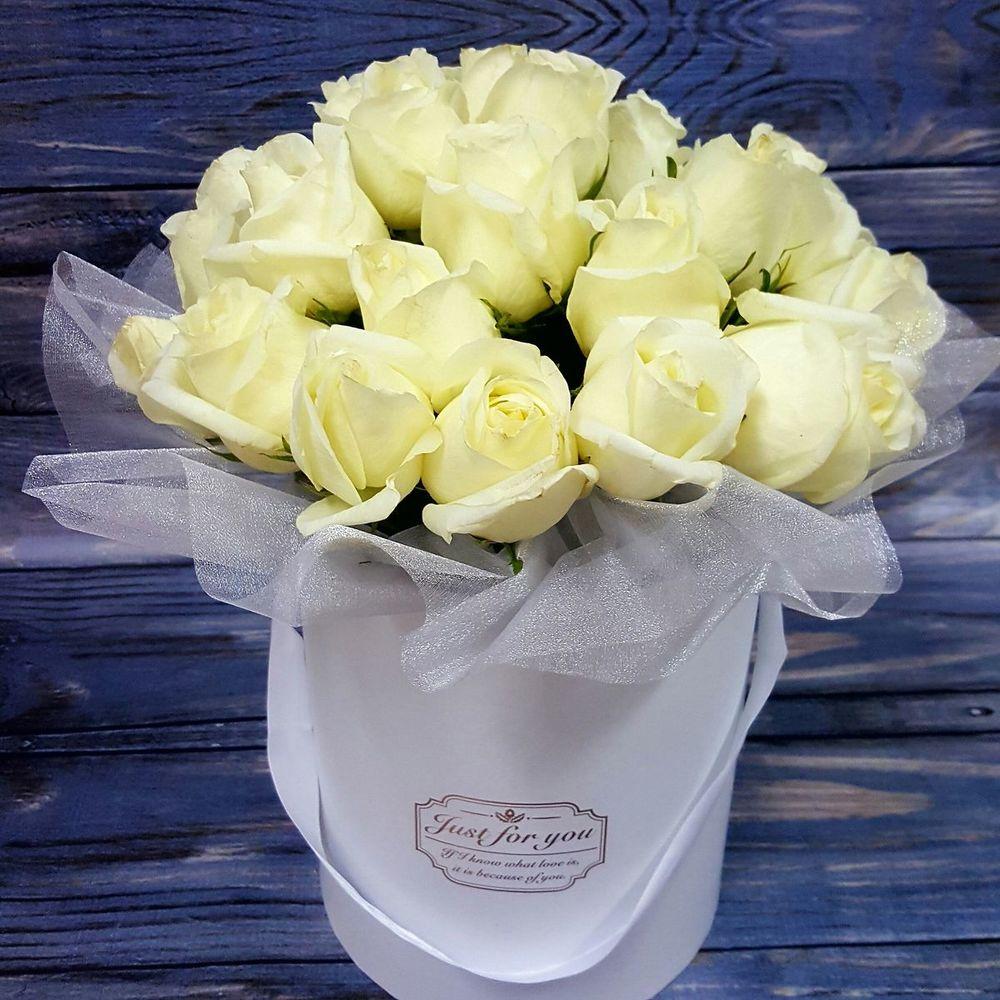 Картинки букет белых роз с надписью, именины душевные