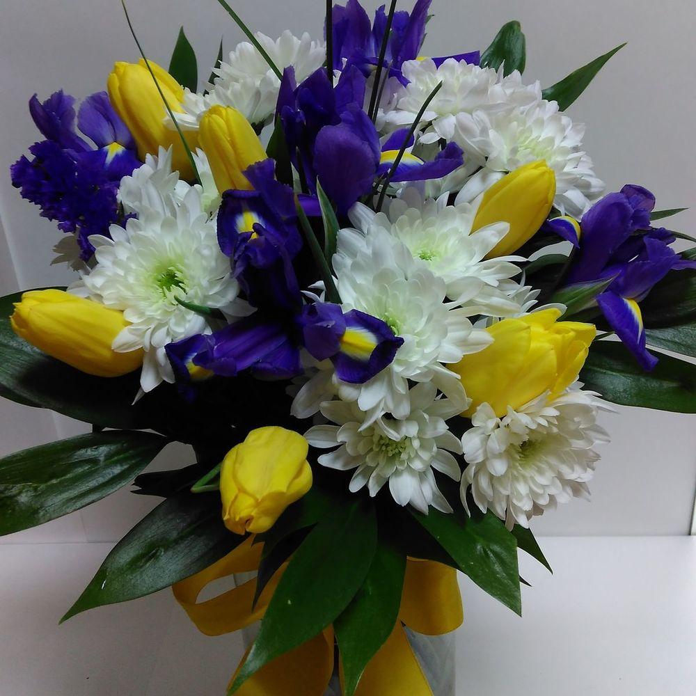 Заказ букеты из весенних цветов фото