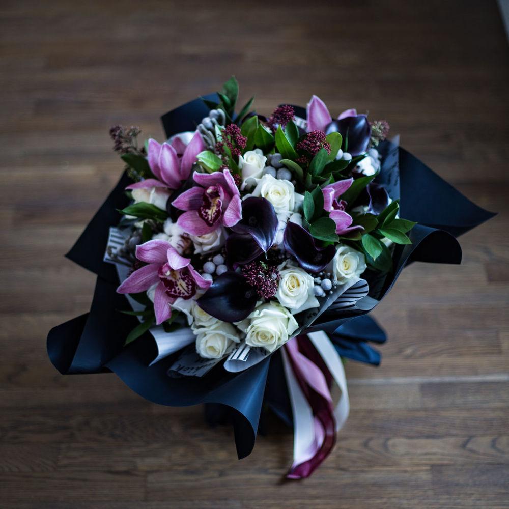 Цветы, красивые букеты с каллами и другими цветами