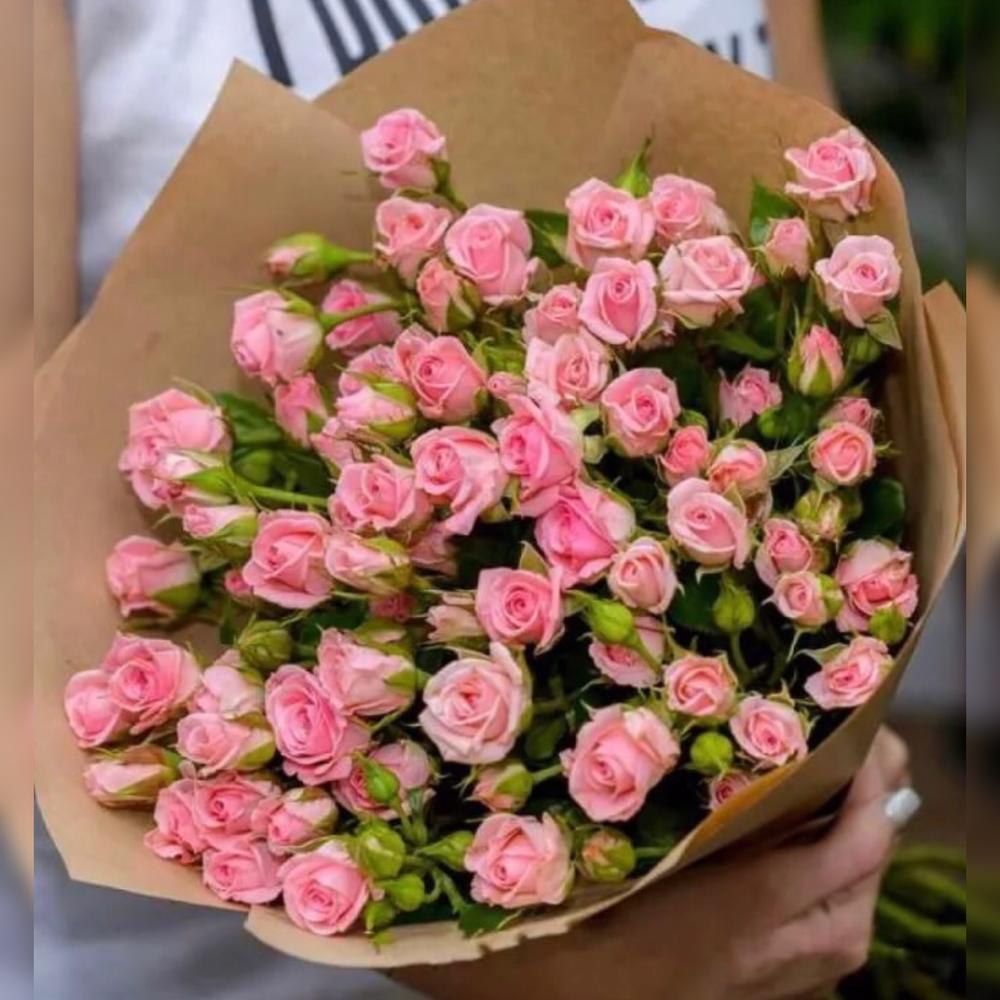 Букеты из кустовых маленьких роз