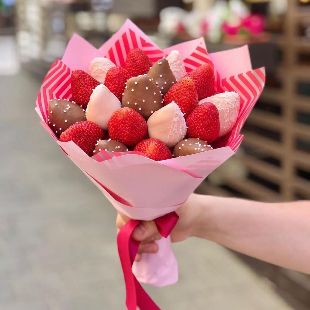 Букет из клубники в шоколаде, Артикул: А56415069 - 2336 RUB, доставка по  городу за 6 ч Flowwow - доставка цветов в Люберцах