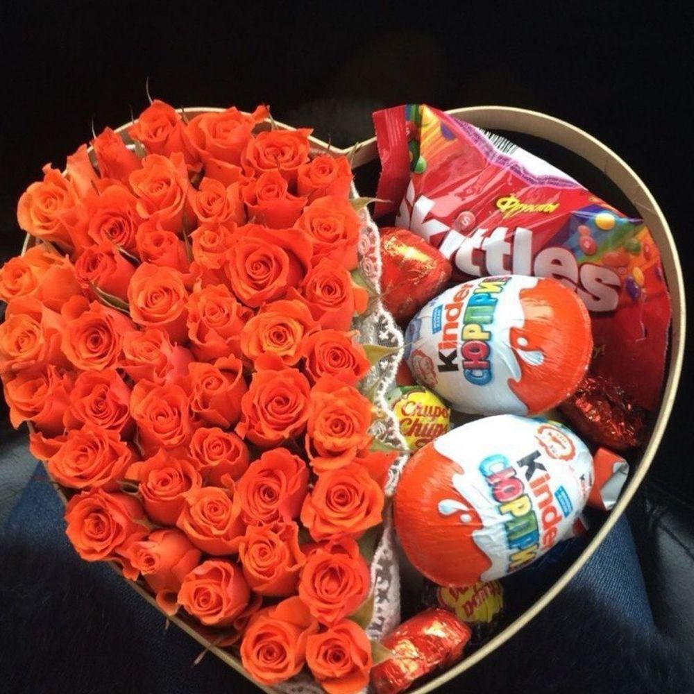 Хочу подарить девушке цветы или конфеты