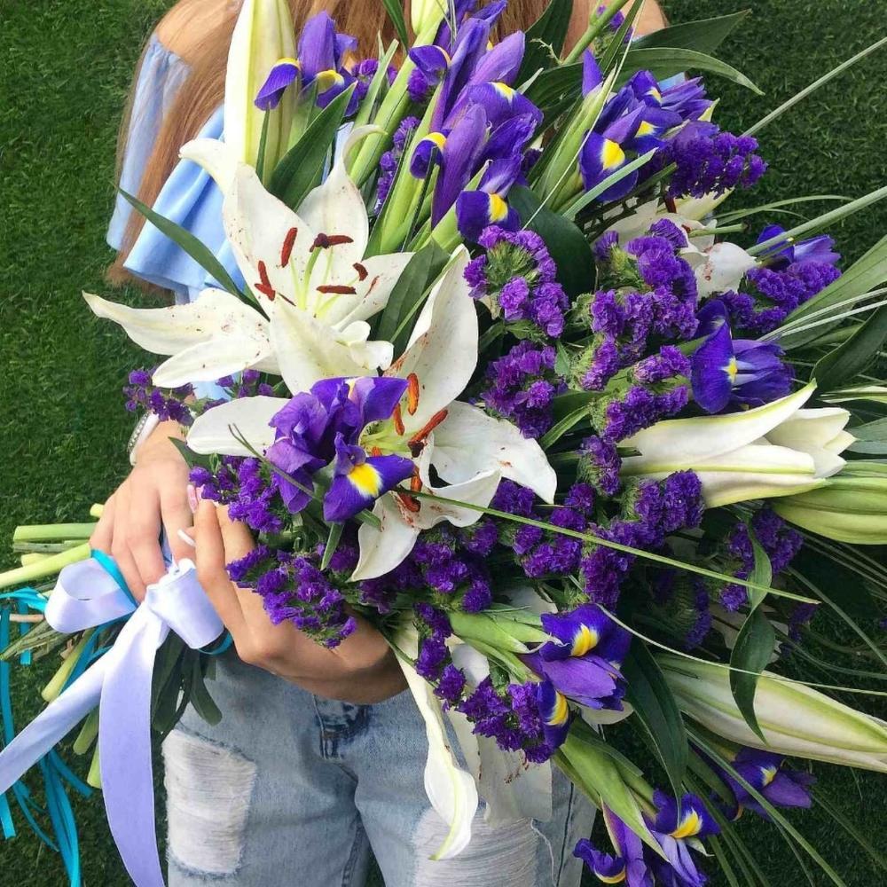 примеру, приехал фото ирисы и лилии потом сбросили