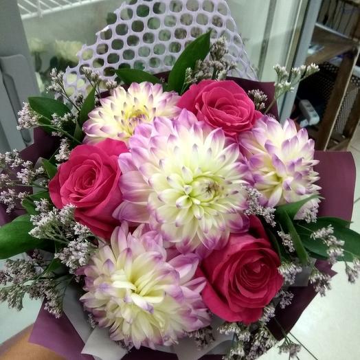 Букет из георгинов и роз: букеты цветов на заказ Flowwow