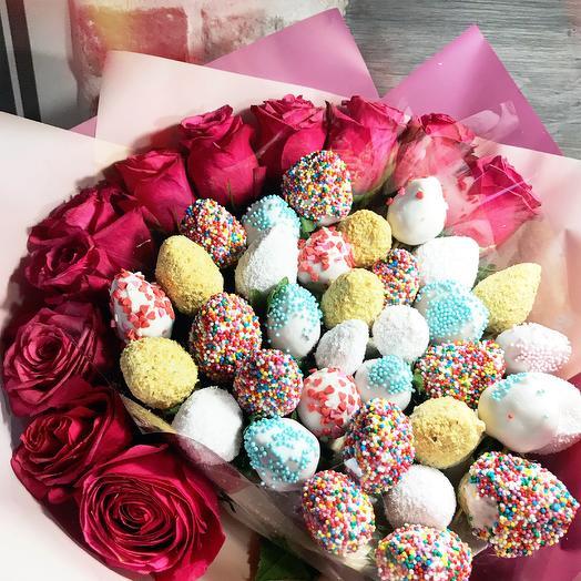 Клубничный букет «roses»: букеты цветов на заказ Flowwow