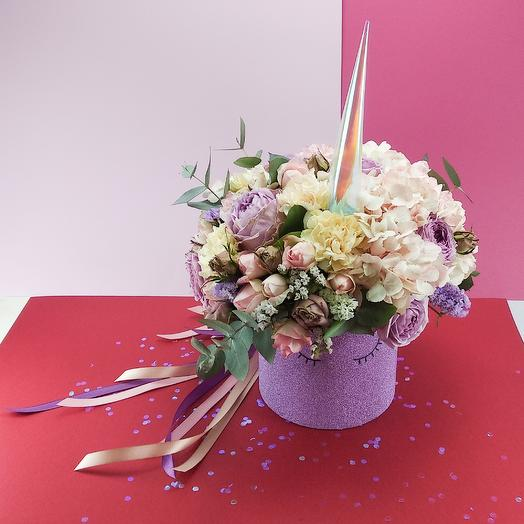 Большой единорог: букеты цветов на заказ Flowwow