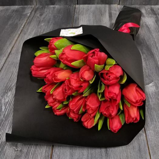 Red in black: букеты цветов на заказ Flowwow