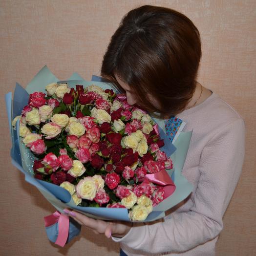 Микс из 31 кустовой розы: букеты цветов на заказ Flowwow
