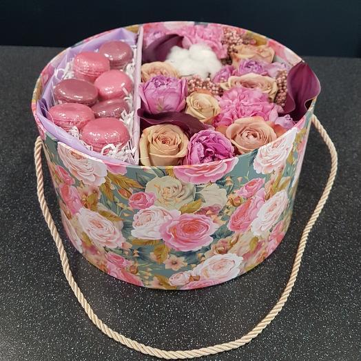 Коробка со сладким: букеты цветов на заказ Flowwow