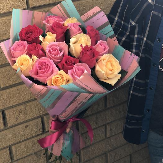 Букет микс из 19 роз: букеты цветов на заказ Flowwow