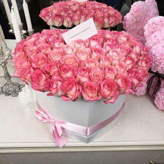 Коробка с нежнейшими розами