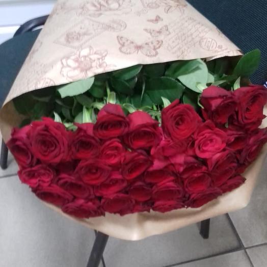 Букет 35 роз в крафте: букеты цветов на заказ Flowwow