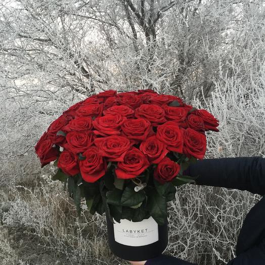 51красная роза в шляпной коробке