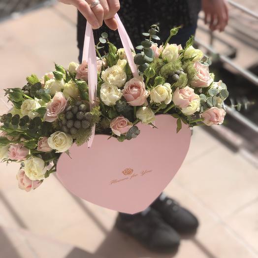 Сумочка Сердце: букеты цветов на заказ Flowwow