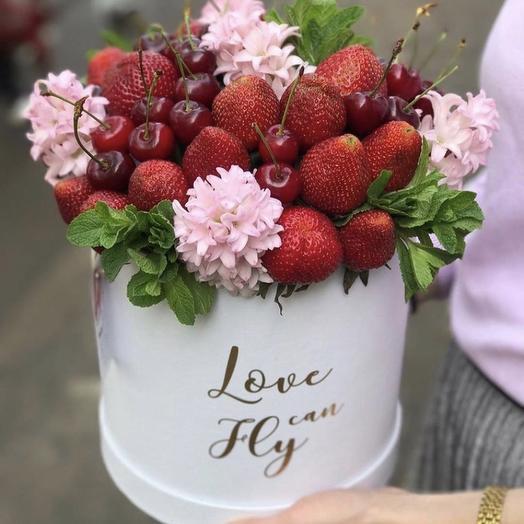 """Коробка цветов """"Ягодное настроение"""""""