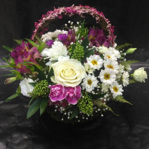 Корзина принцессы: букеты цветов на заказ Flowwow