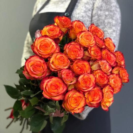 25 Оранжевых крупных роз