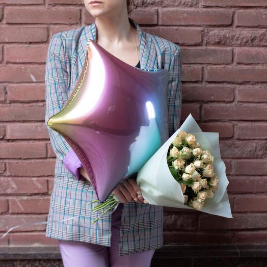 Букет из кустовых роз с воздушным шаром