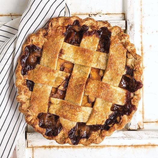 Пирог Яблоко в сливочной карамели 1кг