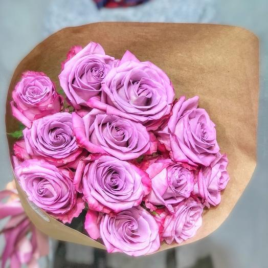 11 лиловых роз Эквадор в крафте