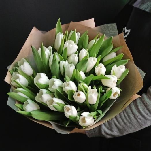 33 белых тюльпана