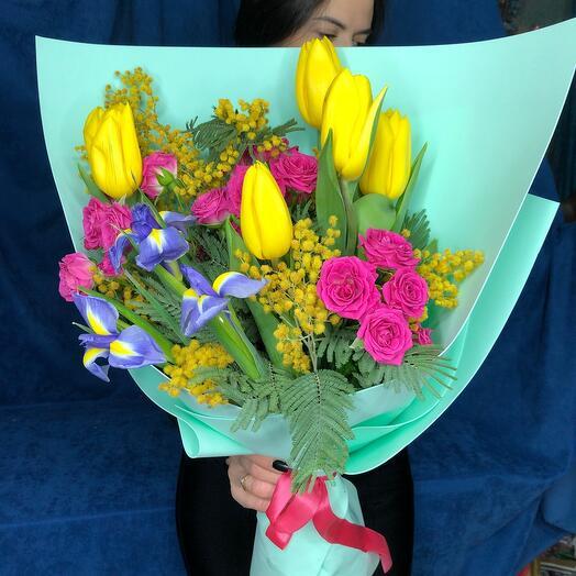 Весенняя радость с тюльпанами и мимозой