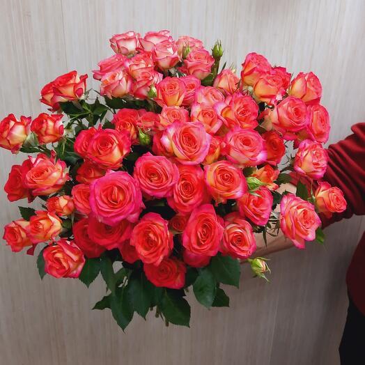Букет из 9шт кустовых роз