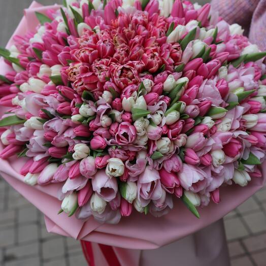 Букет з 441 тюльпана