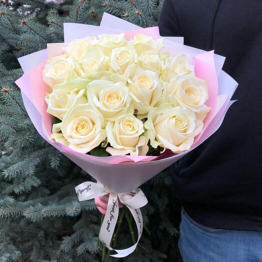 Flowers Lovers - 15 белых роз 60 смв оформлении