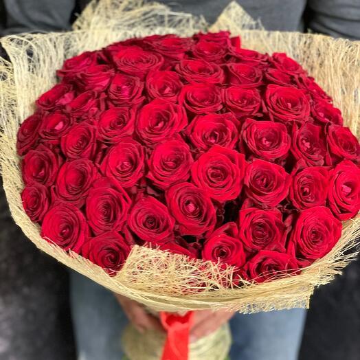 51 красная Роза в натуральной сизали