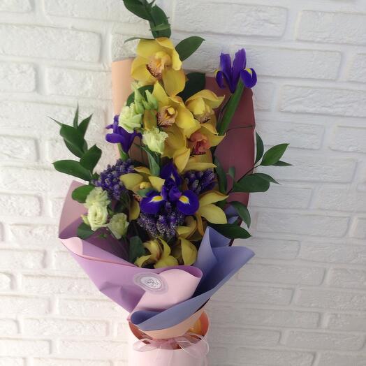Букет из желтой орхидеи