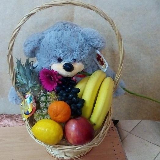 Мишка с фруктами: букеты цветов на заказ Flowwow
