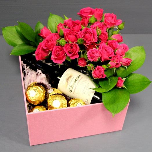 Сюрприз в коробке с розами