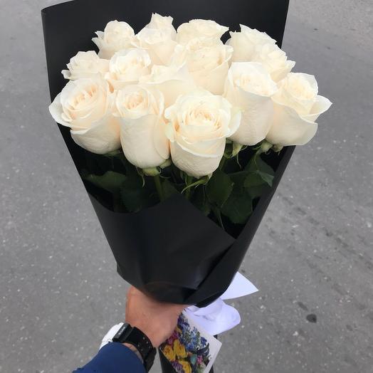 15 белых эквадорских роз