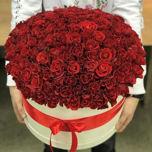 Коробка XXL из 115 красных роз. N327: букеты цветов на заказ Flowwow