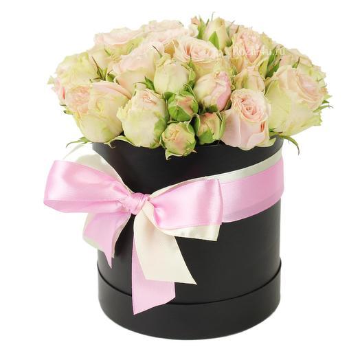 """Кустовые розы мини коробке """"Сладкая мелодия"""": букеты цветов на заказ Flowwow"""