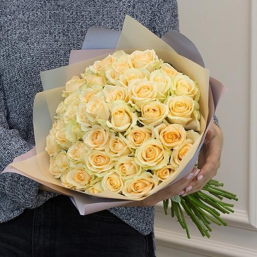 51 кремовая роза в матовой пленке