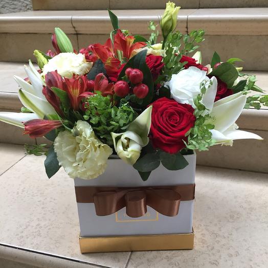 Коробочка «Шанель»: букеты цветов на заказ Flowwow