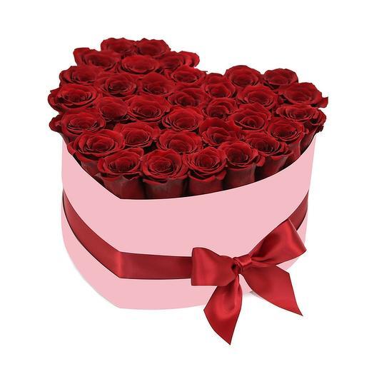 Сердце из 35 красных роз