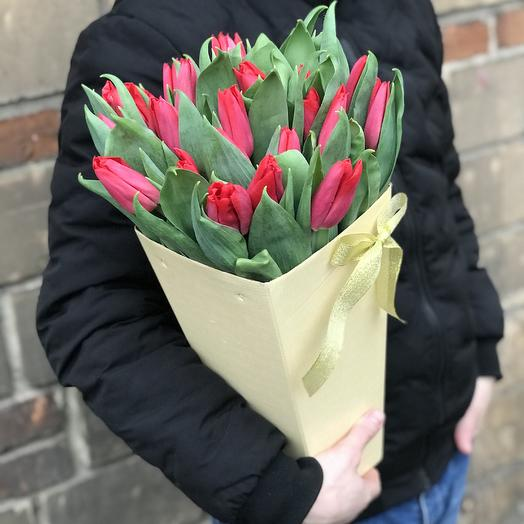 Красные тюльпаны в конусе: букеты цветов на заказ Flowwow