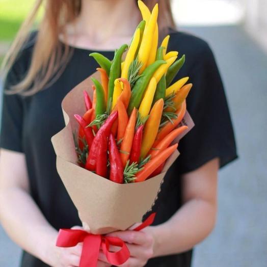 Букетик с перцами Острые чувства 1: букеты цветов на заказ Flowwow