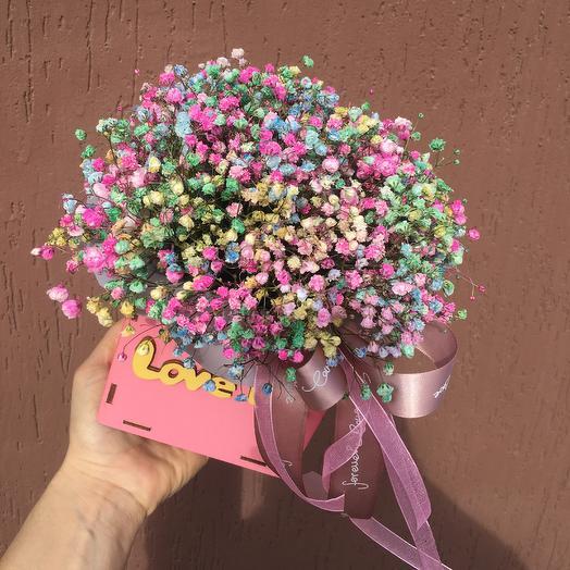 Стильный ящик с радужной гипсофилой: букеты цветов на заказ Flowwow