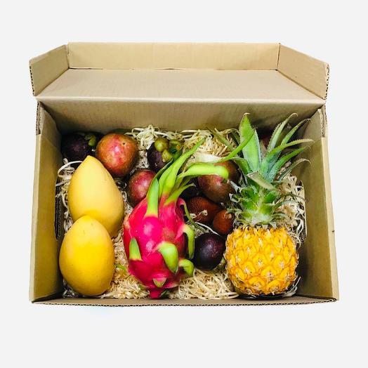 Коробка экзотических фруктов  М