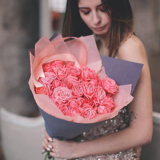 Букет из персиковых кустовых роз Барбадос, 9 шт