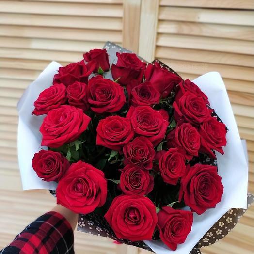 """Букет из 25 роз """"Искра любви"""""""