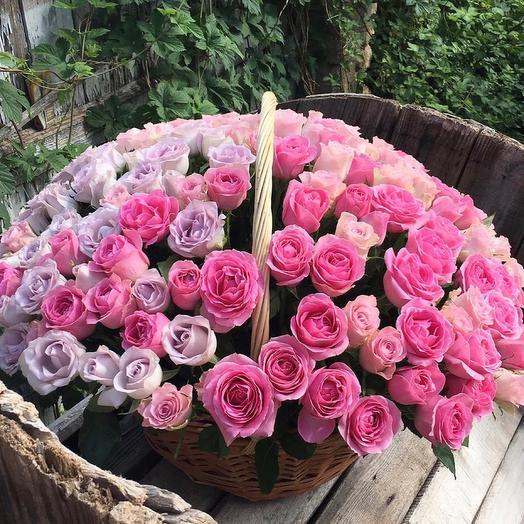 155 роз в корзине